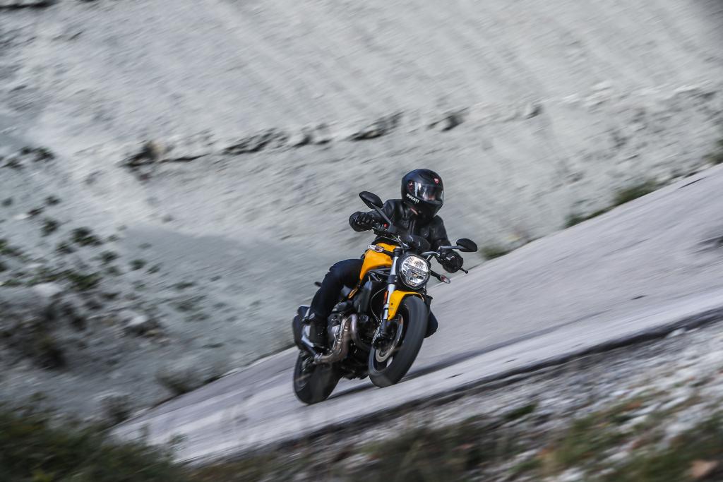 Ducati Monster 821 2018 prueba MotorADN (53)