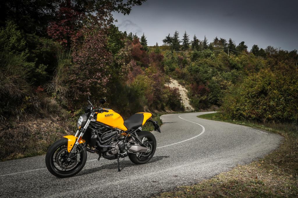 Ducati Monster 821 2018 prueba MotorADN (61)