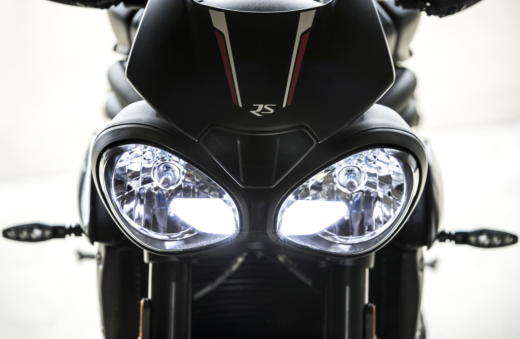Triumph Speed Triple S y RS 2018 MotorADN (39)