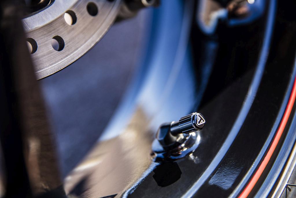Triumph Speed Triple S y RS 2018 MotorADN (49)