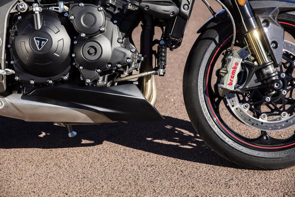 Triumph Speed Triple S y RS 2018 MotorADN (50)