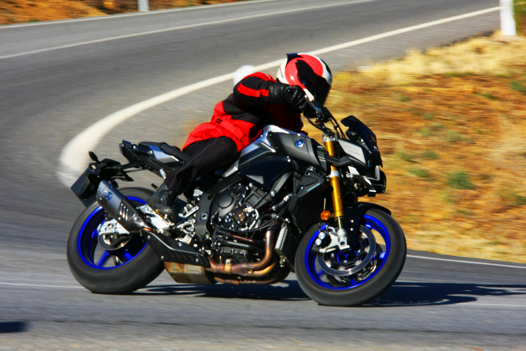 Yamaha MT10 SP 2018 prueba MotorADN (2)