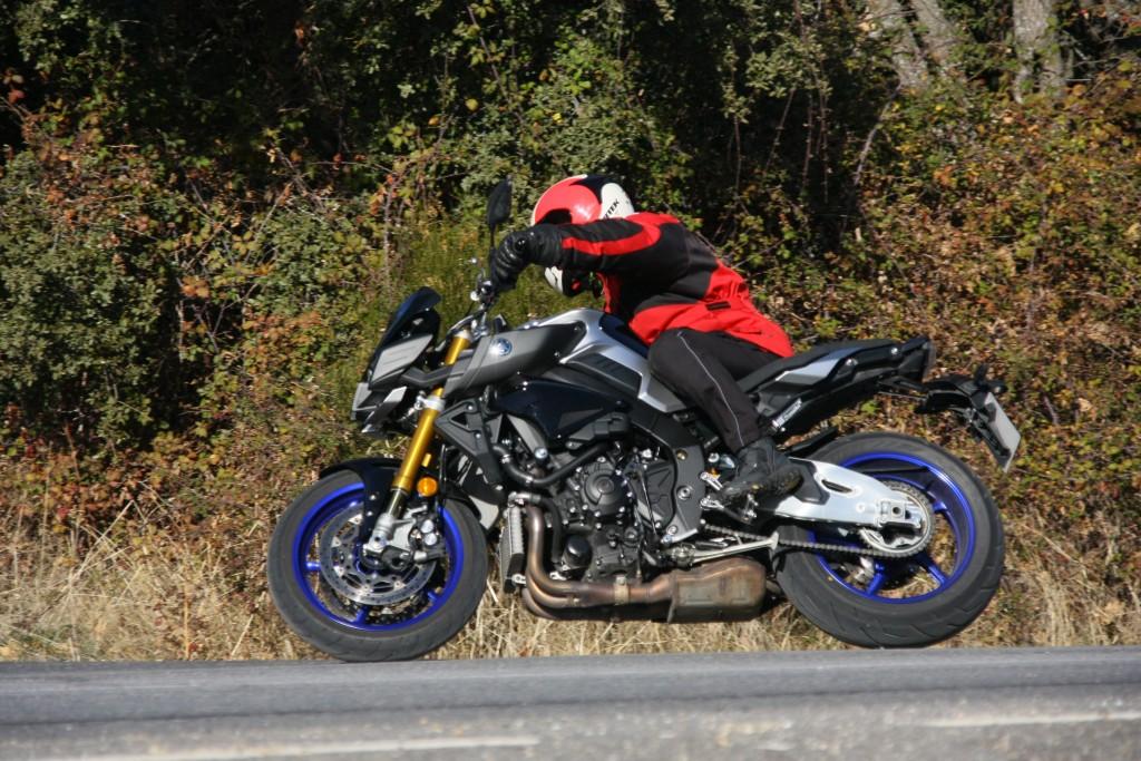 Yamaha MT10 SP 2018 prueba MotorADN (4)