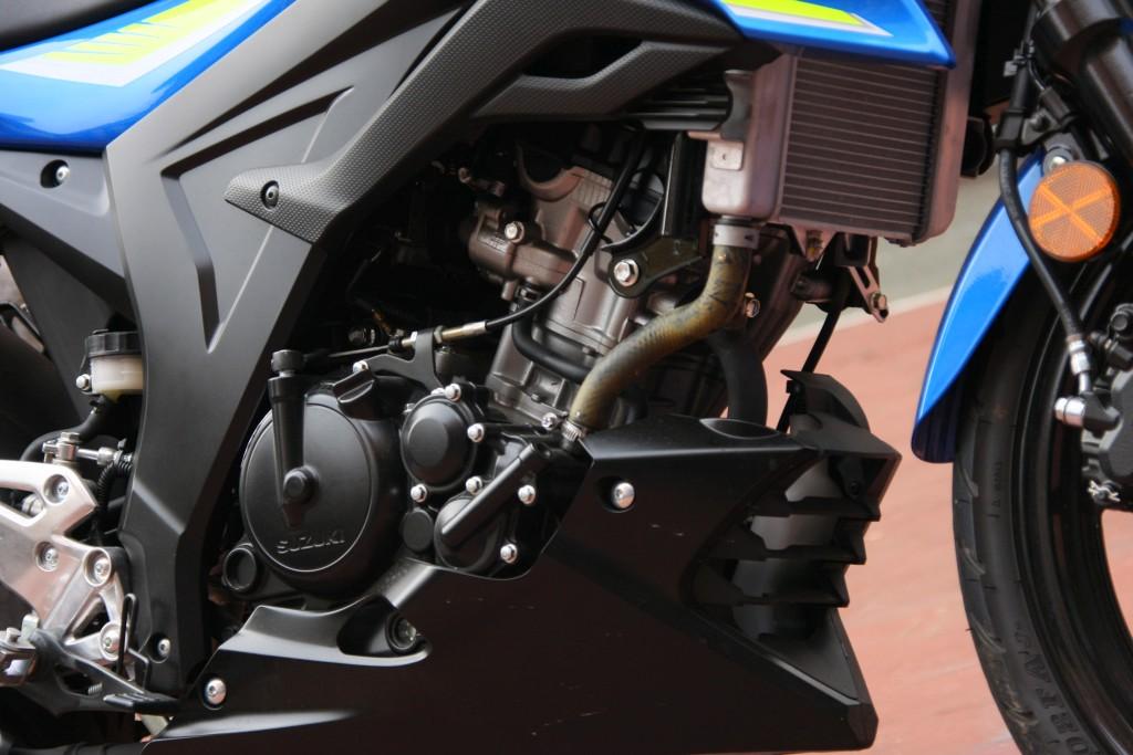 Prueba Suzuki GSX-S125 2018 MotorADN (28)
