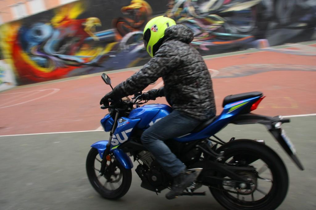 Prueba Suzuki GSX-S125 2018 MotorADN (3)
