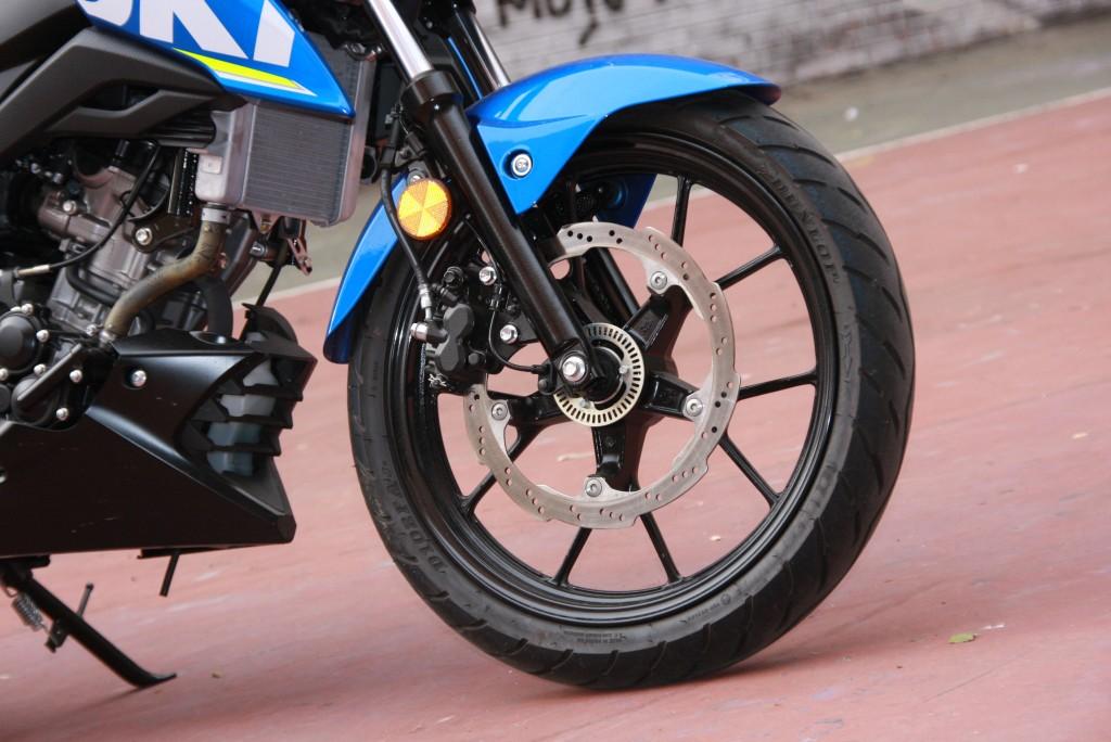 Prueba Suzuki GSX-S125 2018 MotorADN (30)
