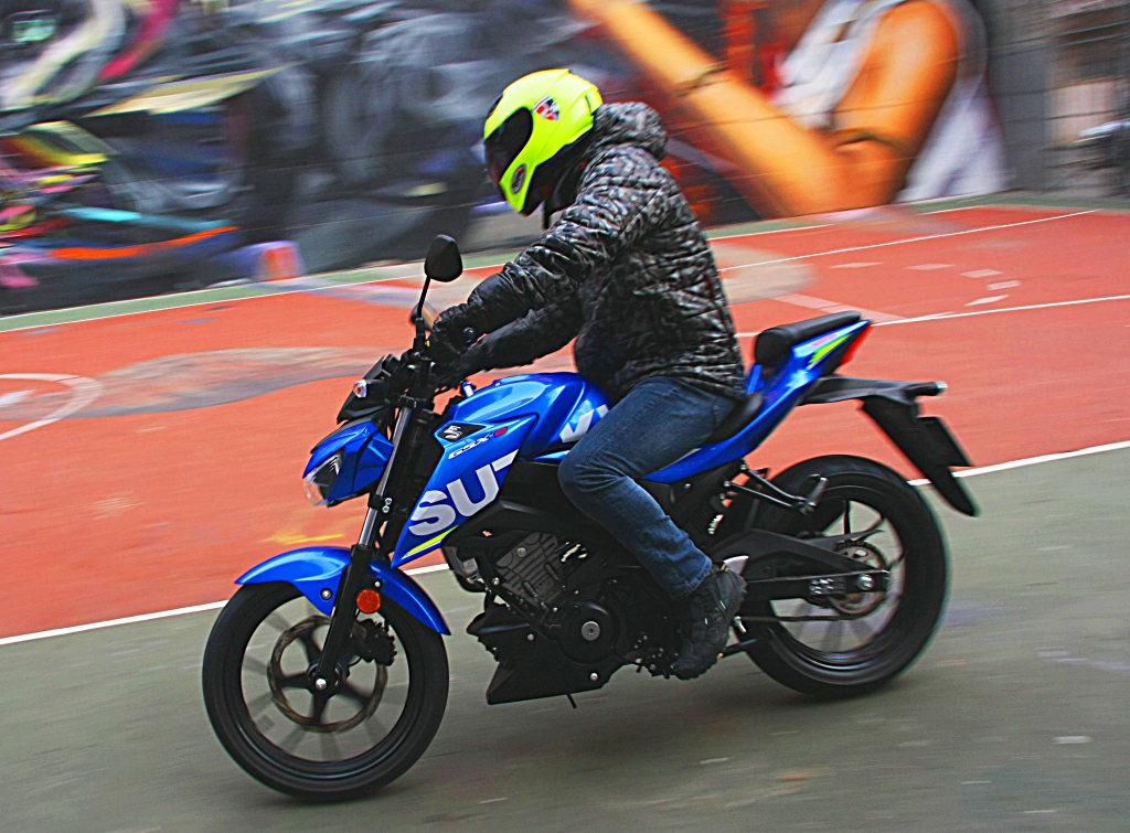 Prueba Suzuki GSX-S125 2018 MotorADN (7)