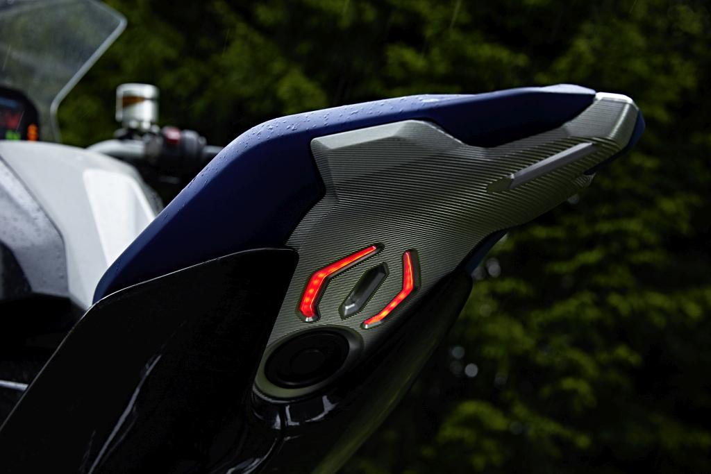 BMW Motorrad Concept 9cento MotorADN (7)