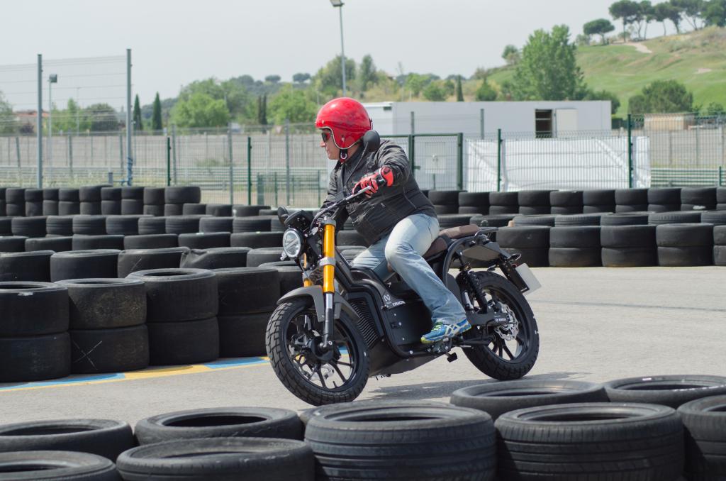 Presentación motos eléctricas NUUK 2018 MotorADN (34)