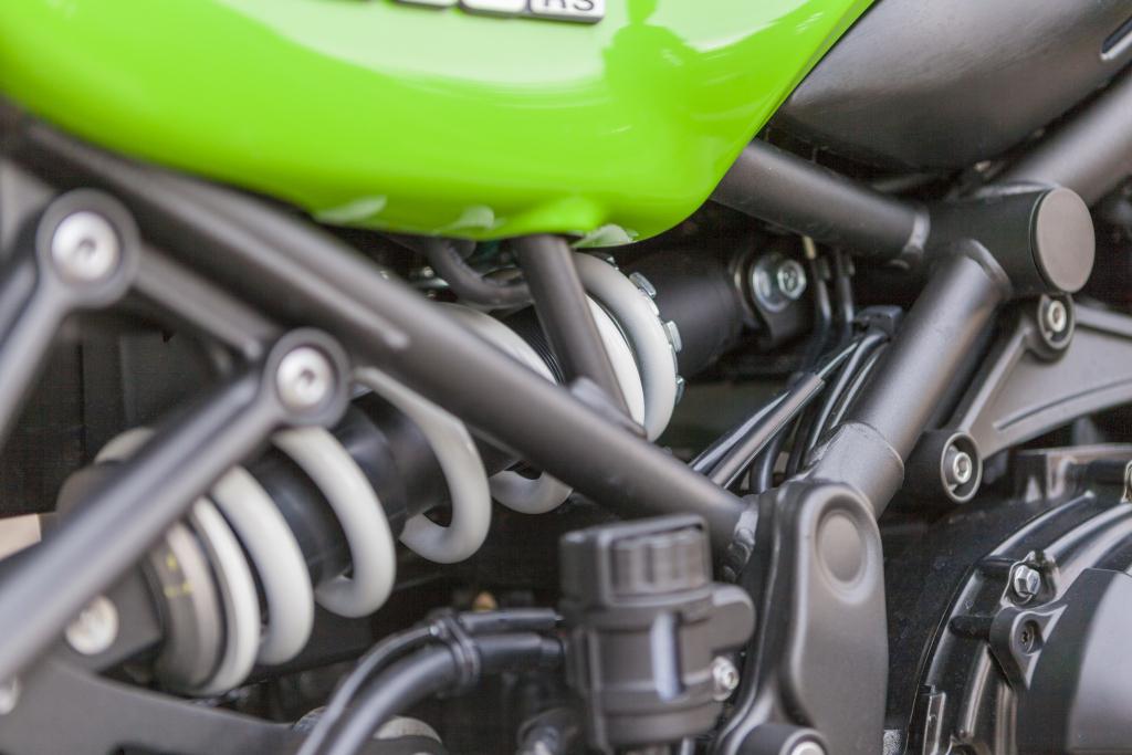 Kawasaki Z900RS Cafe prueba MotorADN (15)