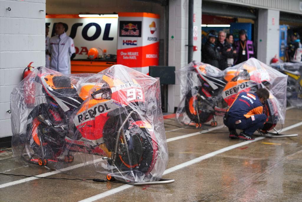 MotoGP Gran Bretaña 2018 lluvia MotorADN (1)