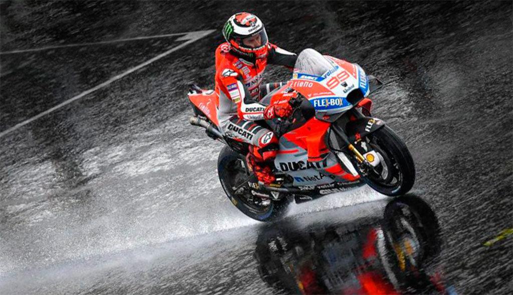 MotoGP Gran Bretaña 2018 lluvia MotorADN (7)