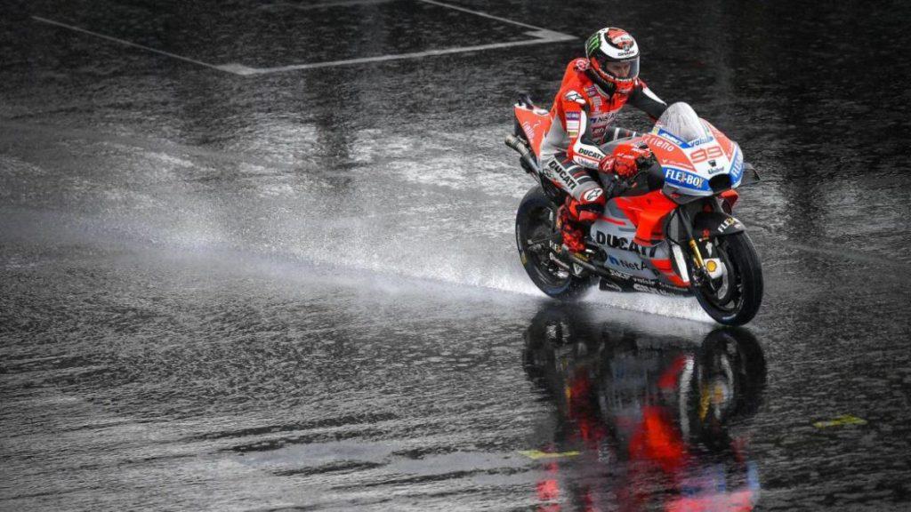 MotoGP Gran Bretaña 2018 lluvia MotorADN (8)