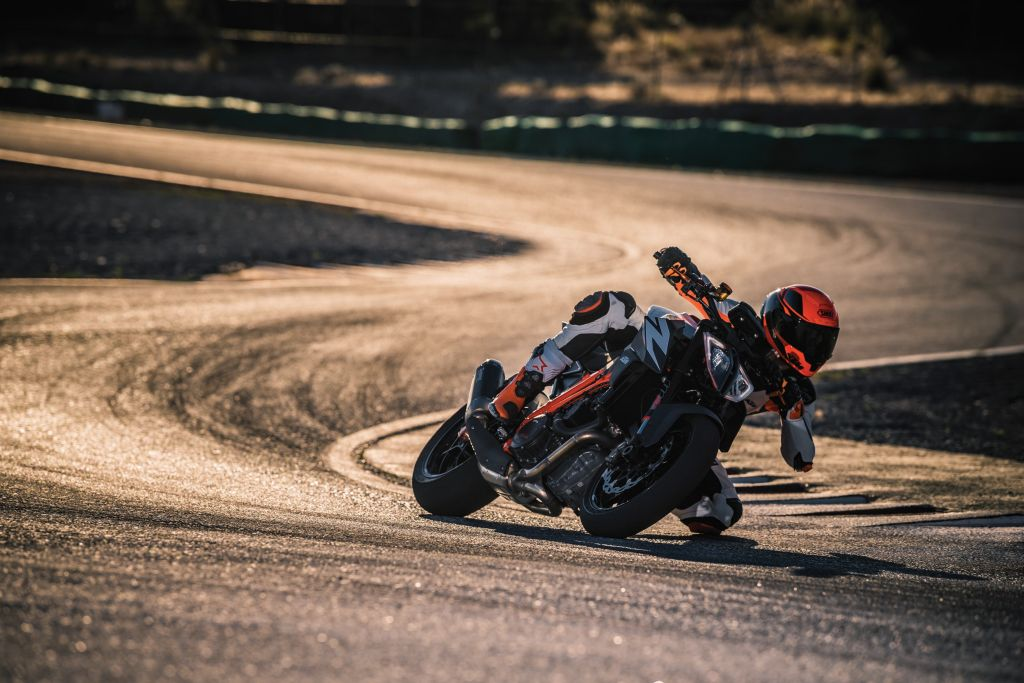 KTM 1290 Super Duke 2019 (8)
