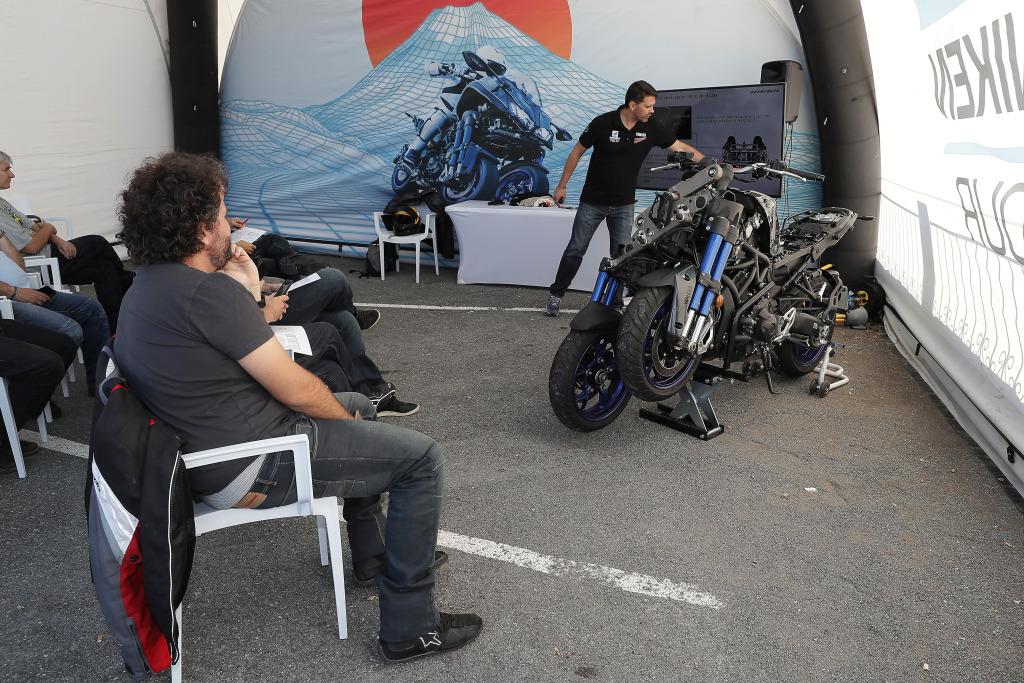 Yamaha Niken presentación Madrid. Puertu de la Cruz Verde.