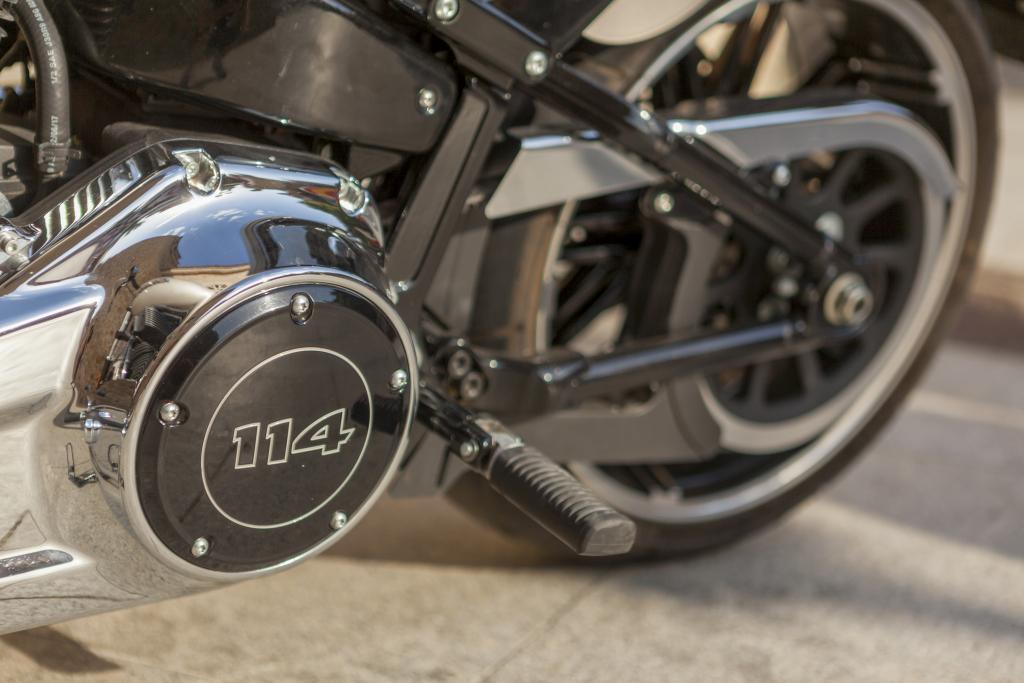 Prueba Harley Breakout 114 2018 MotorADN (32)