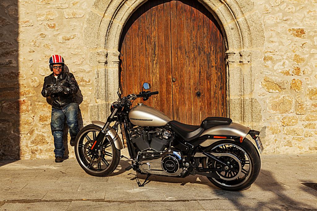 Prueba Harley Breakout 114 2018 MotorADN (60)