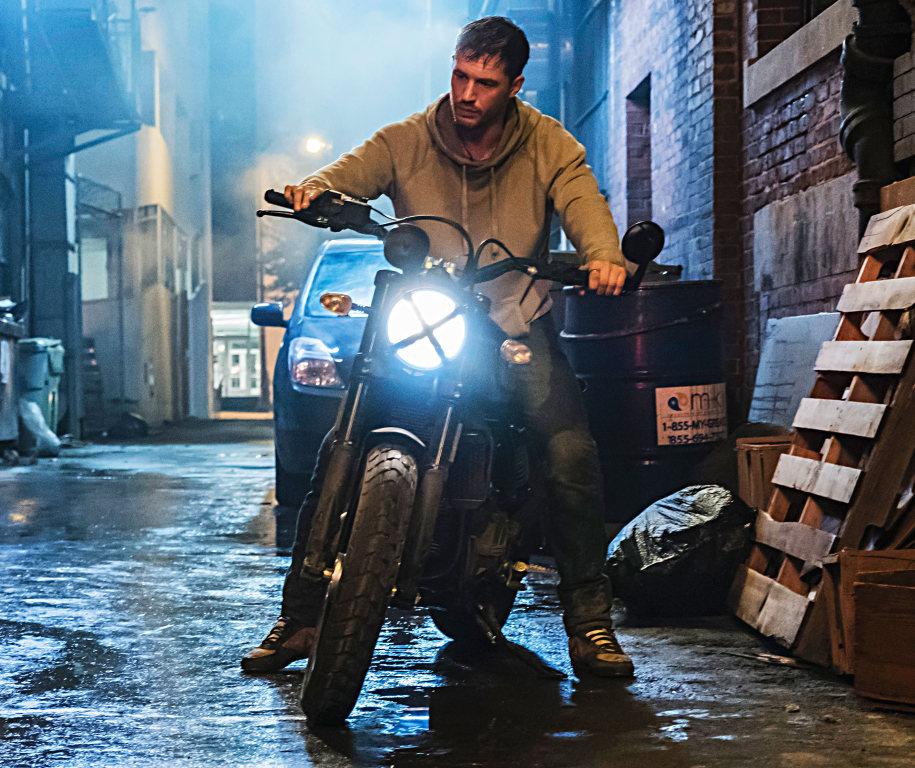 Venom y la Ducati Scrambler (1)
