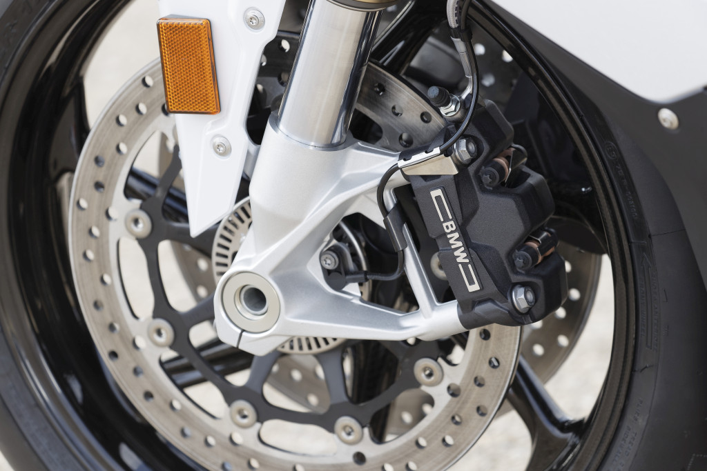 BMW S1000RR 2019 MOTORADN previo (44)