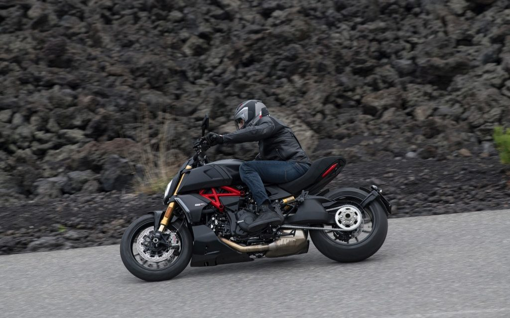 Fotos Ducati Diavel 1260 2019