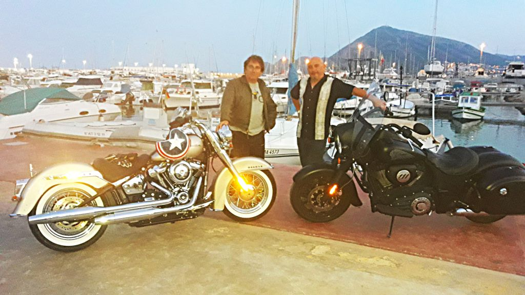 Fotos viaje en Indian Springfield 111 y Harley Davidson DeLuxe 107