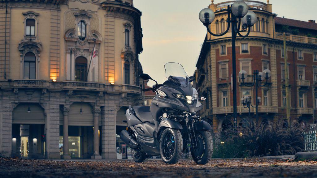 Fotos motos 2020. Yamahas 3 ruedas, Tricity 300 y MW Vision