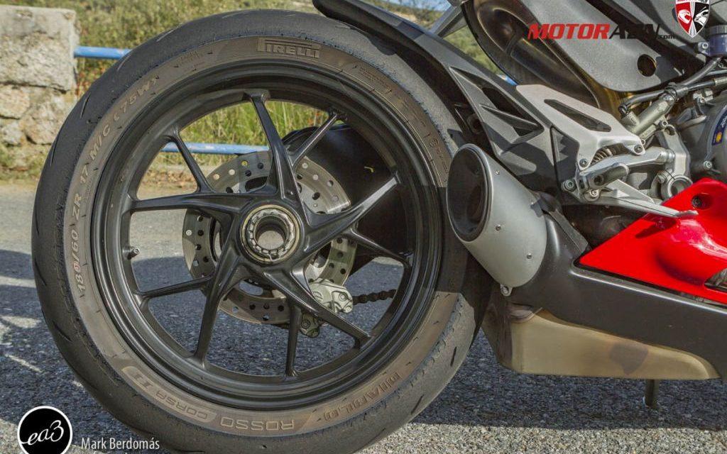 FOTOS DUCATI PANIGALE V2 PRUEBA MOTORADN