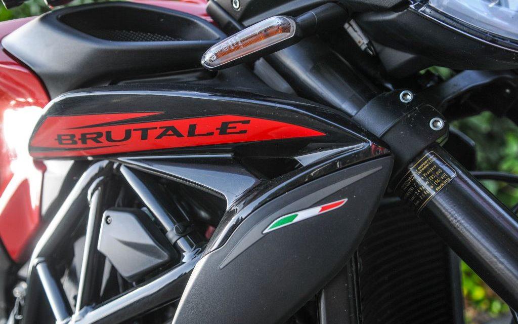 FOTOS MV AGUSTA F3 675-BRUTALE 800 ROSSO limitadas COMPARATIVA