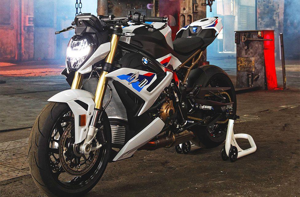 MOTOS 2021: BMW S 1000 R, LA ALEMANA DESNUDA.