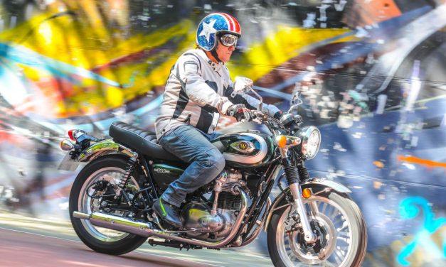 PRUEBA KAWASAKI W800 STREET: LA MOTO CLÁSICA SEGÚN JAPÓN.